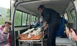 Nhân chứng kể lại vụ lở núi xuống đường, nhiều người thoát chết
