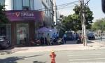 Thanh niên tẩm xăng xông vào ngân hàng TPBank ở Sài Gòn cướp tiền, bị bỏng nặng