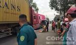 Người phụ nữ đi xe máy tử vong thương tâm dưới bánh xe container