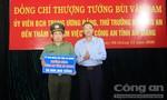 Khen thưởng lực lượng phá vụ buôn lậu 51kg vàng 9999