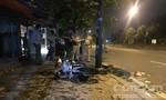 Xe máy lao lên vỉa hè tông cột đèn ở Sài Gòn, nhân viên ngân hàng tử vong