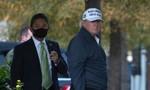 """Trump trở về từ sân golf, viết trên Twitter: """"Những điều tồi tệ đã xảy ra"""""""
