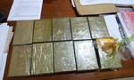 Đắk Nông: Bắt 2 đối tượng vận chuyển 10 bánh heroin