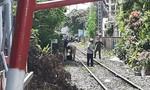 Phơi quần áo cạnh đường ray ở Sài Gòn, người phụ nữ bị tàu tông tử vong