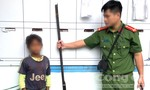 Em trai 10 tuổi bắn 3 người trong gia đình chị gái trọng thương