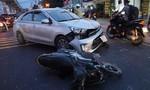Ô tô tông nhiều xe máy giữa ngã tư ở Sài Gòn, 3 người bị thương nặng