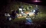 Đi lễ chùa, hai vợ chồng và con nhỏ bị container tông tử vong