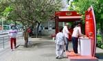Nhiều bến xe được lắp đặt trạm rửa tay Lifebuoy miễn phí