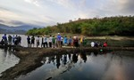 Chèo thuyền ra hồ chơi, học sinh lớp 10 tử vong