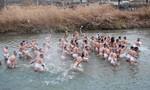 10.000 nam giới tham dự lễ hội khỏa thân ở Nhật Bản
