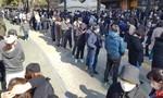 Người dân Hàn Quốc xếp hàng 'rồng rắn' cả trăm mét mua khẩu trang