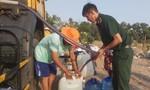 Long An: Dân thiếu nước ngọt trầm trọng, Bộ đội phải cứu viện