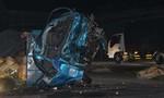 Xe khách tông trực diện xe tải, 2 người chết, 3 người bị thương