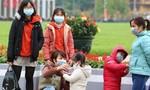 Xử lý thế nào khi bị sốt, ho, đau họng, khó thở?