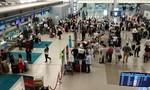 Dừng đưa khách từ nước ngoài về sân bay Tân Sơn Nhất đến hết 31/3