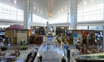 40 du học sinh Việt bị kẹt ở sân bay tại Mỹ đã đổi được vé về nước
