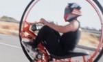 Clip quá trình chế tạo môtô một bánh chạy băng băng
