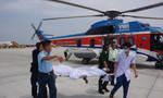 Trực thăng đưa hai ngư dân nguy kịch từ Trường Sa về đất liền