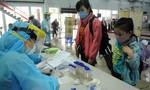 Triển khai lấy mẫu xét nghiệm Covid-19 tất cả khách về ga Sài Gòn