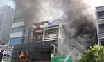TPHCM: Nhanh chóng dập tắt đám cháy lớn trong mùa dịch