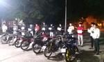 Phớt lờ lệnh cấm, hơn chục thanh niên tụ tập đua xe