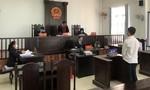 Nam sinh viên đánh bảo vệ vì bị nhắc đeo khẩu trang hầu tòa