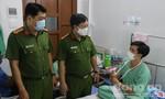 Thăm hỏi, động viên CBCS bị thương khi chữa cháy tại KCX Tân Thuận
