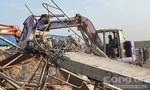 Thủ tướng: Tập trung khắc phục hậu quả vụ sập công trình 10 người chết
