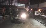 Ô tô vượt đèn đỏ gây tai nạn liên hoàn, tài xế nguy kịch