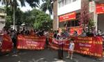"""TPHCM: Cư dân ở chung cư Kim Tâm Hải """"dài cổ"""" chờ sổ hồng"""