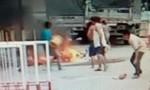 Vừa đổ xăng, xe máy cháy rụi