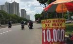 Điểm bán bảo hiểm mọc lên như nấm trên đường phố Sài Gòn