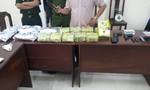 """Bắt kẻ dùng 3 khẩu súng """"áp tải"""" 20kg ma túy từ Campuchia vào Việt Nam"""