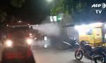 Clip cảnh sát dùng vòi rồng giải tán người dân tụ tập mùa dịch