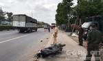 Chạy sát lề, người phụ nữ vẫn bị xe container tông chết