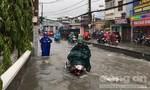 Sài Gòn lại ngập nặng trong cơn mưa trưa nay
