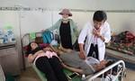 Hơn 200 người nhập viện cấp cứu sau khi ăn tiệc cưới