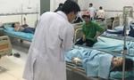 Hơn 100 công nhân nhập viện sau bữa ăn tối