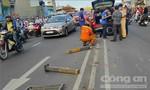 Mercedes cày nát dải phân cách, cầu vượt ở Sài Gòn kẹt cứng