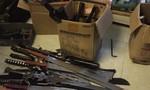 Thu lượng lớn súng săn, vũ khí thô sơ chuyển từ nước ngoài