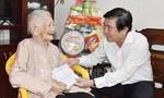 Chủ tịch UBND TPHCM thăm các gia đình chính sách
