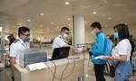 Kiểm dịch y tế tại ga quốc nội sân bay Tân Sơn Nhất và ga tàu hỏa