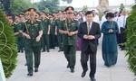 TPHCM: Dâng hương tưởng niệm các anh hùng liệt sĩ