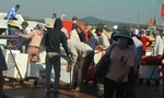 Quảng Ngãi đưa 2.000 du khách rời Lý Sơn để phòng chống Covid-19