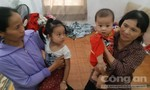 Buổi tăng ca định mệnh của người cha trẻ kiếm tiền mua sữa cho 2 con