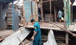 Xuất hiện vết nứt dài 80m dọc sông Hậu, di dời khẩn 11 hộ dân