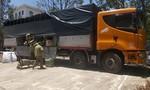Phát hiện xe tải vận chuyển gần 900kg pháo