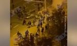 Clip  ôtô lao thẳng vào đám đông cảnh sát chống bạo động ở Belarus