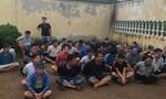 Đột kích trường gà giữa mùa Covid-19 ở vùng ven Sài Gòn