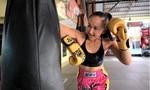 Võ sư Thái Lan đào tạo 9 cô con gái thành võ sĩ chuyên nghiệp